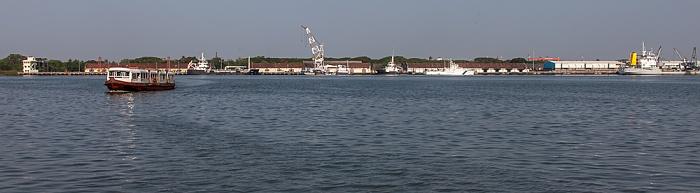 Kochi Blick von der Mattancherry Boat Jetty: Vembanad Lake, Willingdon Island