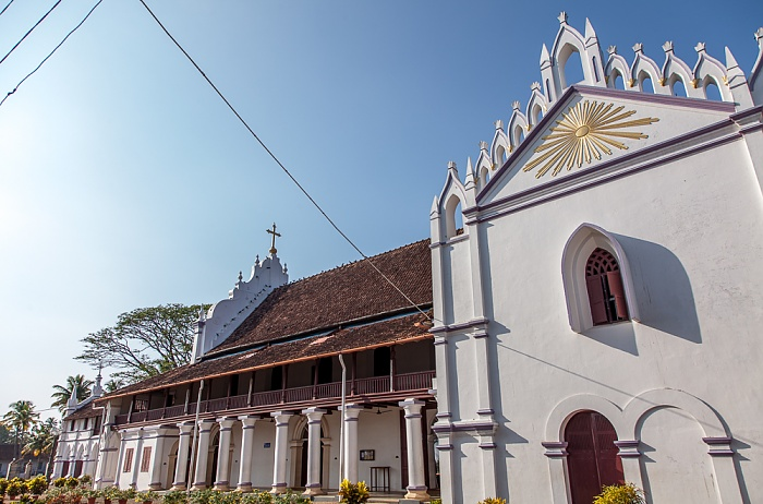 Backwaters Champakulam: St. Mary's Forane Church