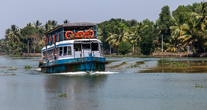 Backwaters Kollam-Kottapuram Waterway: Fährboot