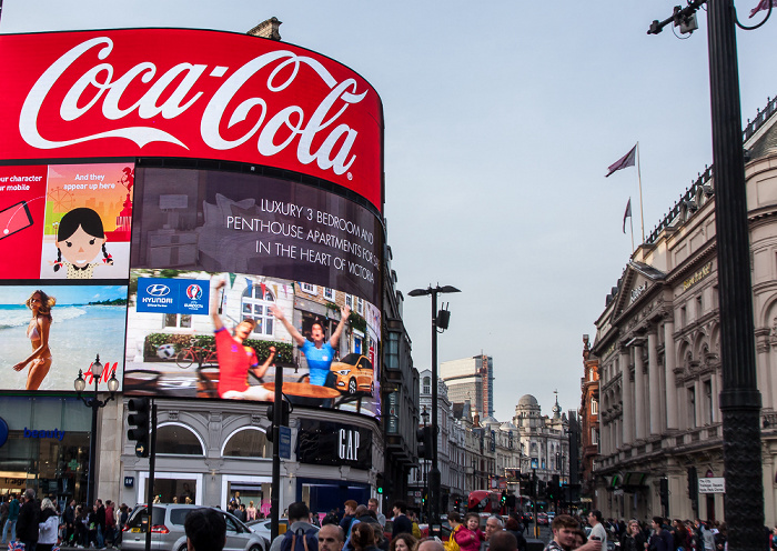 Piccadilly Circus, Shaftesbury Avenue London