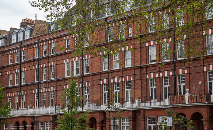 Chelsea: Cheyne Gardens London