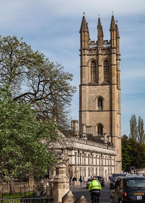 Oxford High Street: Magdalen College mit dem Magdalen Tower