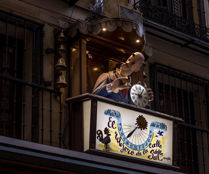 Madrid Calle de la Sal: Carillón de Mingote