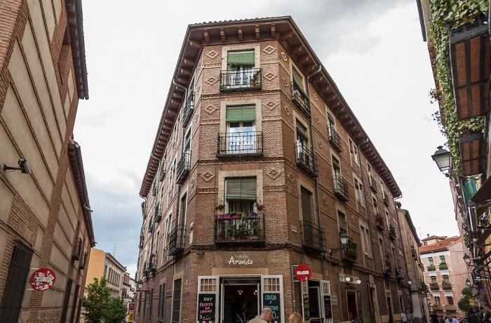 Madrid Costanilla de San Pedro (links) / Calle del Almendro