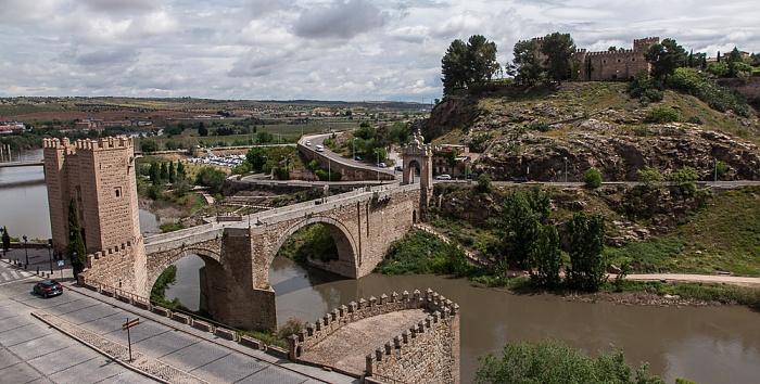 Puerta de Alcántara, Puente de Alcántara über den Río Tajo, Castillo de San Servando Toledo 2016