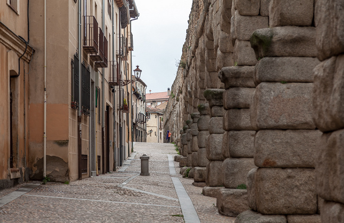 Römisches Aquädukt, Calle Almira Segovia 2016