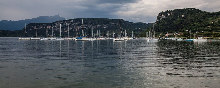 Bardolino Gardasee mit Segelbooten