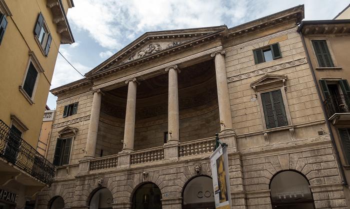 Centro Storico (Altstadt): Via Giuseppe Mazzini Verona