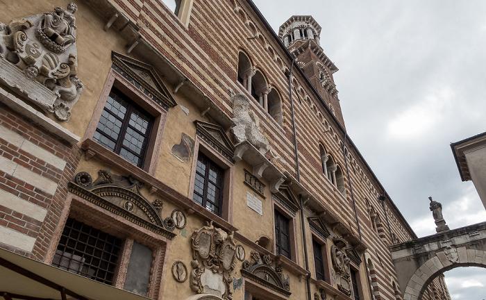 Centro Storico (Altstadt): Piazza dei Signori - Palazzo della Ragione, Torre dei Lamberti Verona