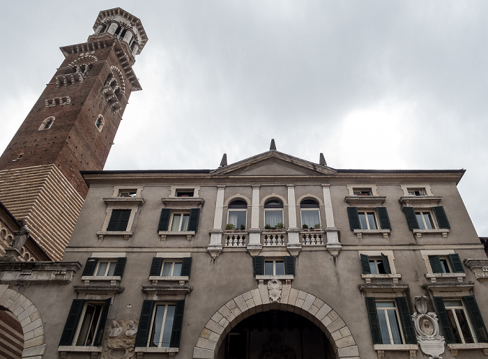 Centro Storico (Altstadt): Piazza dei Signori Verona