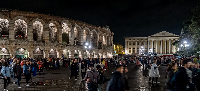 Centro Storico (Altstadt): Piazza Brà, Arena di Verona, Palazzo Barbieri Verona 2016