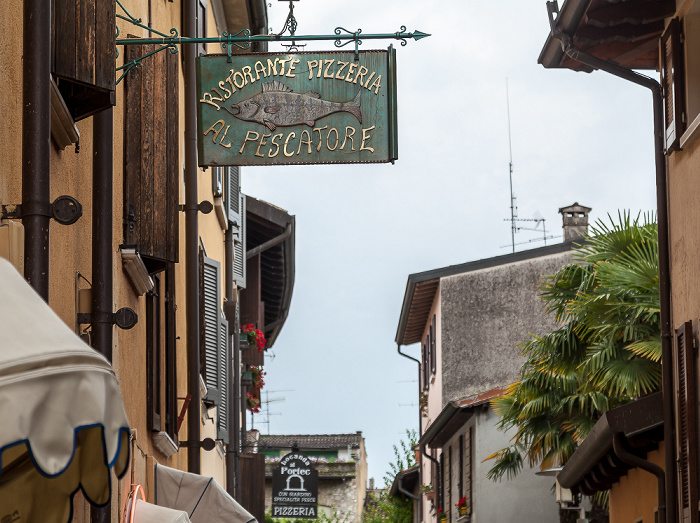 Sirmione Centro Storico: Via Giuseppe Piana