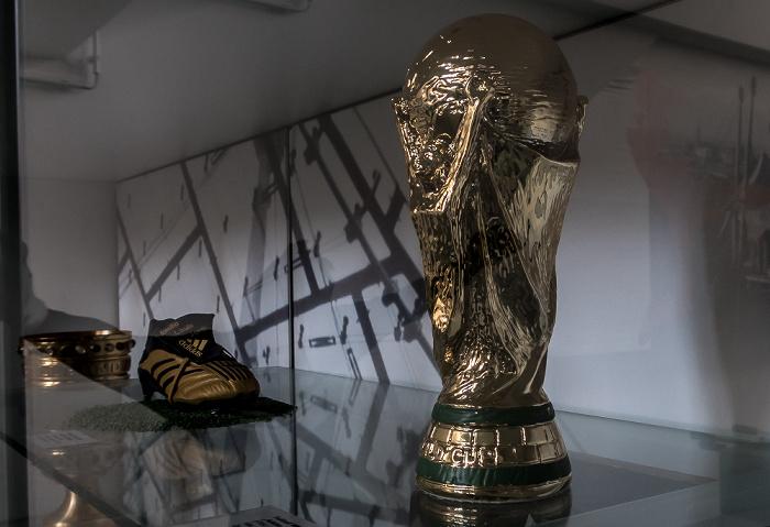 Olympiastadion: Kopie des FIFA-WM-Pokals München