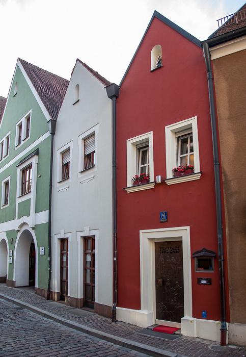 Amberg Altstadt: Seminargasse - Eh'häusl (rechts, kleinstes Hotel der Welt)