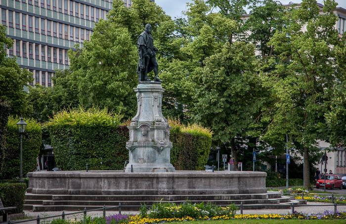 Augsburg Prinzregentenplatz: Prinzregentenbrunnen