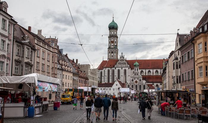 Augsburg Von vorne: Ulrichsplatz, Evangelische St. Ulrichskirche, Basilika St. Ulrich und Afra