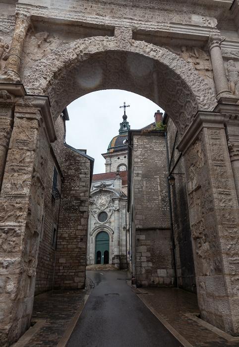 La Boucle: Rue de la Convention mit Porte Noire und Cathédrale Saint-Jean de Besançon