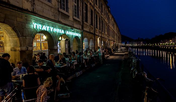 Besançon La Boucle (Centre historique): Quai Vauban und Doubs Trattoria Adriatica