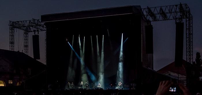 Saline Royale d'Arc-et-Senans (Königliche Saline): David Gilmour Arc-et-Senans A Boat Lies Waiting