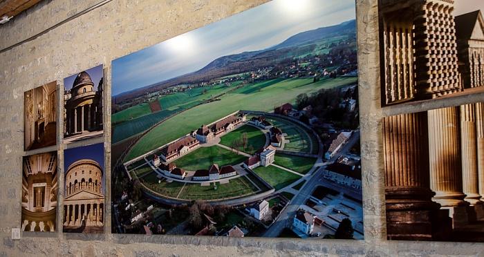 Saline Royale d'Arc-et-Senans (Königliche Saline): Portalgebäude Luftbild aerial photo