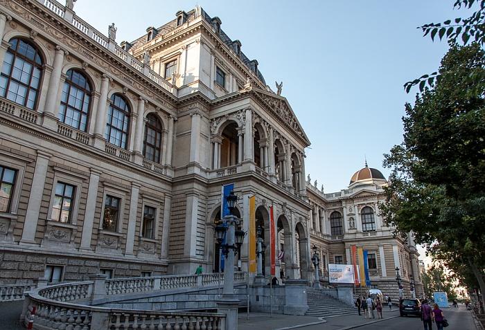 Innere Stadt: Wiener Ringstraße (Universitätsring) - Universität Wien