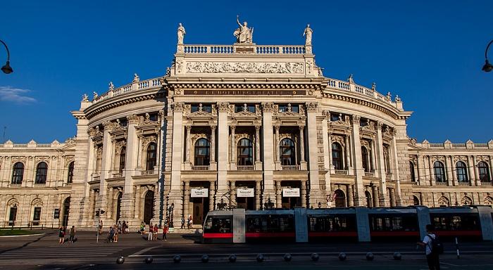 Innere Stadt: Wiener Ringstraße (Universitätsring) - Burgtheater Wien 2016