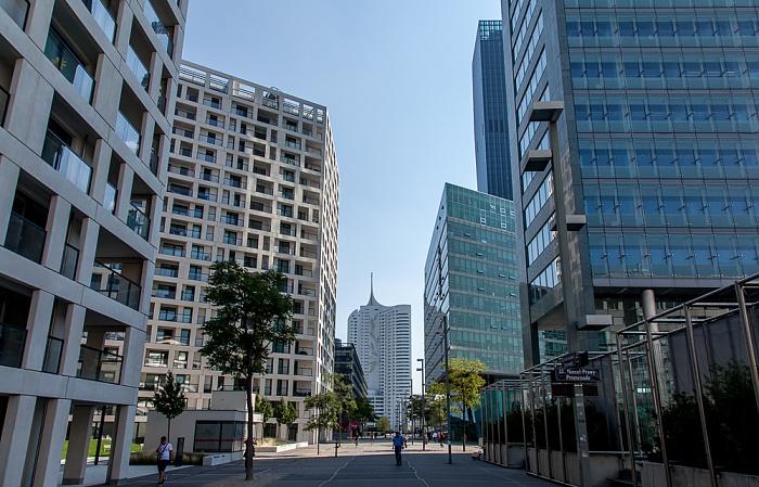 Wien Donaustadt (XXII. Bezirk): Donau City - Donau-City-Straße Ares Tower DC Tower 1 Hochhaus Neue Donau Strabag-Haus
