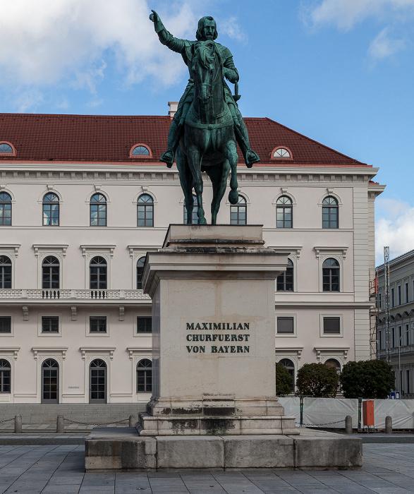 München Maxvorstadt: Wittelsbacher Platz mit dem Reiterstandbild des Kurfürsten Maximilian I. Palais Ludwig Ferdinand Siemens-Zentrale