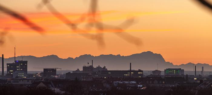 Blick von der Luitpoldhöhe (Luitpoldpark): Schwabing, Maxvorstadt, Alpen München 2016