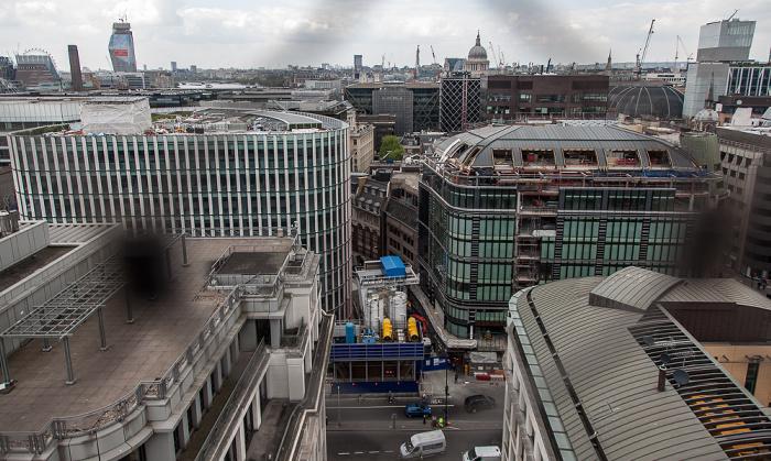 Blick von der Aussichtsplattform des Monument: City of London 24 King William Street 33 Central Equitable House King William Street Monument Street Regis House St Paul's Cathedral Tate Modern