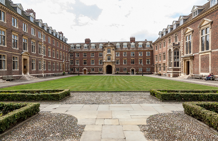 Cambridge St Catharine's College: Main Court