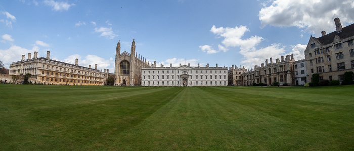 Cambridge King's College: Back Lawn mit (v.l.) Clare Old Court, King's College Chapel, Gibbs' Building und Old Lodge