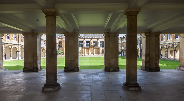 Cambridge Trinity College: Wren Library und Nevile's Court