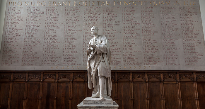 Cambridge Trinity College Chapel: Statue of Isaac Newton