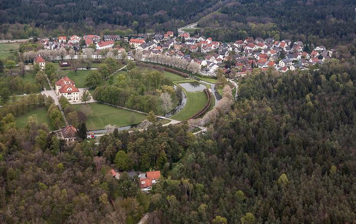 Luftbild aus Zeppelin: Schlossanlage Schleißheim - Schlosspark, Schloss Lustheim München 2017