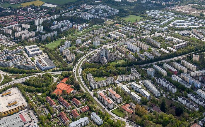 Luftbild aus Zeppelin: Bogenhausen - Johanneskirchen (oben) / Oberföhring München 2017