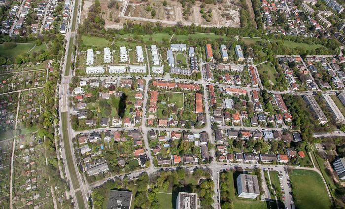 Luftbild aus Zeppelin: Bogenhausen - Englschalking / Oberföhring (oben) / Herzogpark (links) München