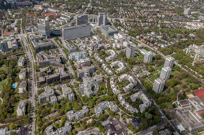 Luftbild aus Zeppelin: Bogenhausen - Parkstadt Bogenhausen mit dem Arabellapark / Herzogpark (rechts oben) München