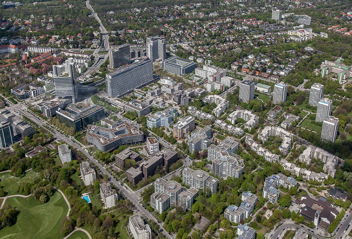 Luftbild aus Zeppelin: Bogenhausen - Parkstadt Bogenhausen mit dem Arabellapark / Herzogpark (oben) München