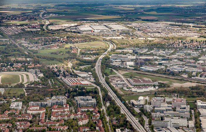 Luftbild aus Zeppelin: Riem-Trudering, Bogenhausen (links unten) München