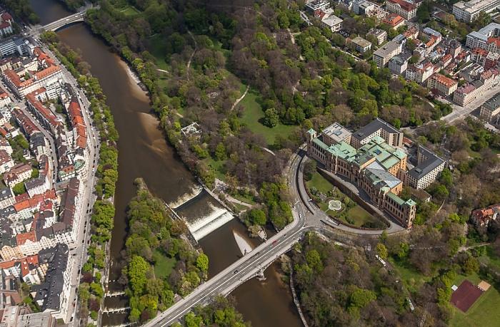 Luftbild aus Zeppelin: Au-Haidhausen (rechts), Altstadt-Lehel - Isar, Maximiliansanlagen und Maximilianeum München 2017