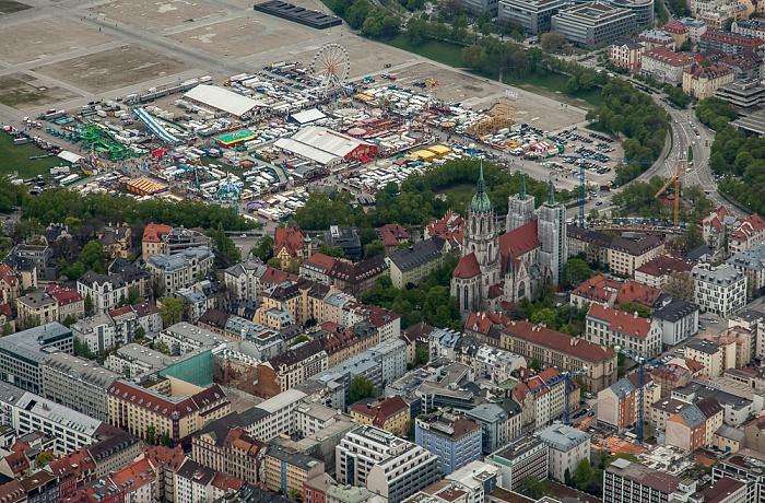 Luftbild aus Zeppelin: Ludwigsvorstadt-Isarvorstadt, Schwanthalerhöhe (rechts oben) München 2017