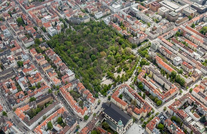 Luftbild aus Zeppelin: Maxvorstadt - Alter Nordfriedhof München 2017