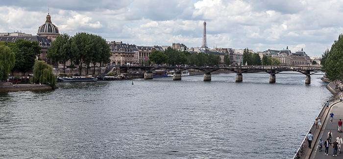 Blick von der Pont Neuf: Seine mit der Pont des Arts Paris