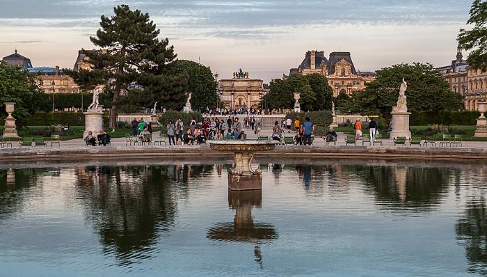 Paris Jardin des Tuileries mit dem Grand Bassin Rond, Arc de Triomphe du Carrousel, Musée du Louvre