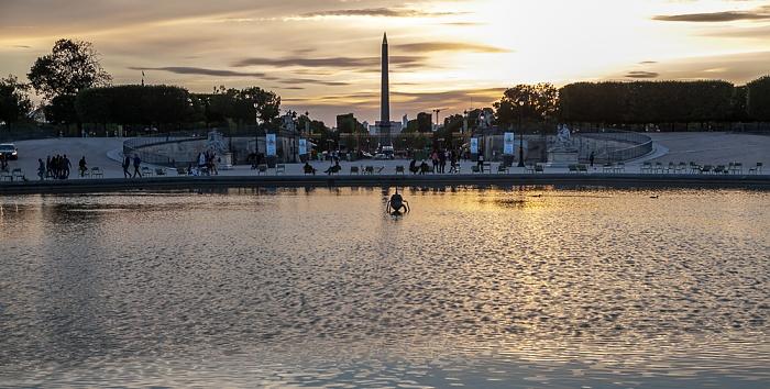 Paris Jardin des Tuileries mit dem Grand Bassin Octogonal Obelisk von Luxor