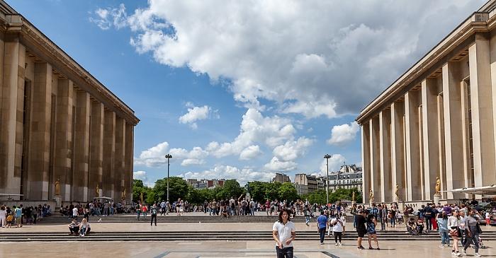 Trocadéro: Parvis des Libertés et des Droits de l'Homme  Paris