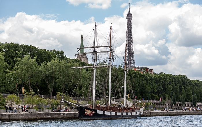 Paris Seine, Port du Gros Caillou, Esplanade Habib-Bourguiba Église américaine de Paris Eiffelturm