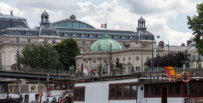 Paris Hôtel de Salm (Palais de la Légion d'honneur) Musée d'Orsay Passerelle Léopold-Sédar-Senghor