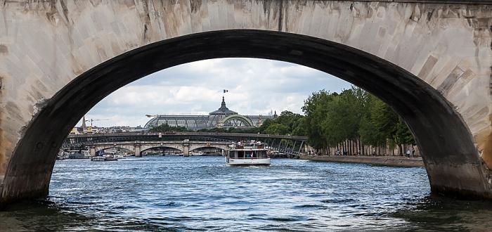 Paris Seine, Pont Royal, Passerelle Léopold-Sédar-Senghor, Pont de la Concorde, Grand Palais